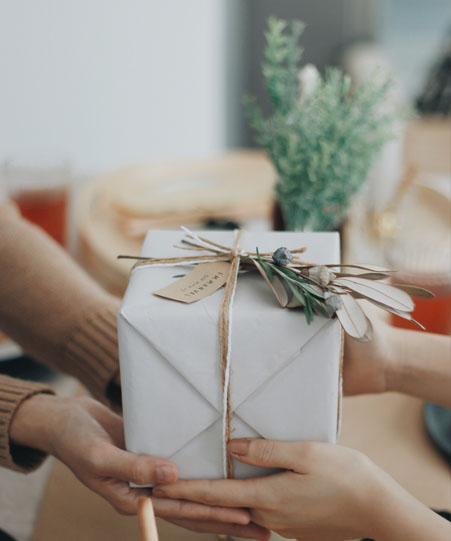 5 วิธีแบ่งรักให้กับคนแปลกหน้า ในคริสต์มาสนี้
